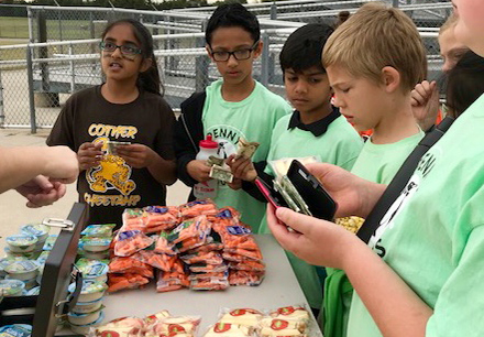 Curtsinger Students Buy Healthy Snacks