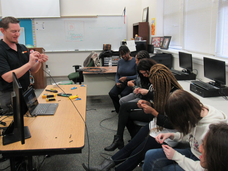SOC students learn networking tips  from local business volunteers
